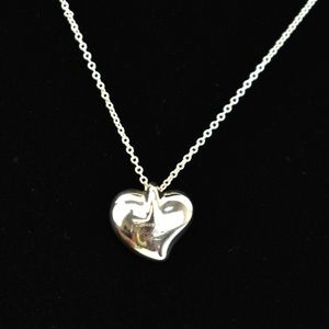 TIFFANY &CO Sterling Silver Full Heart Necklace to
